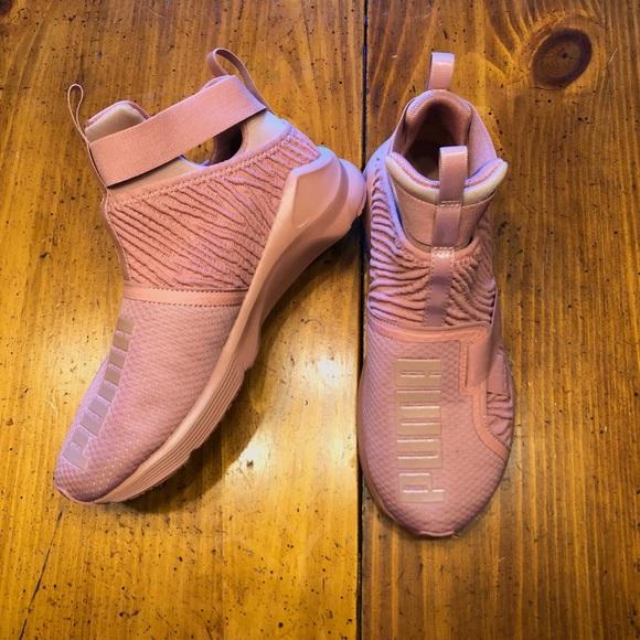 83c44f4c81e23f 💗Blush pink Puma Fierce strap💗
